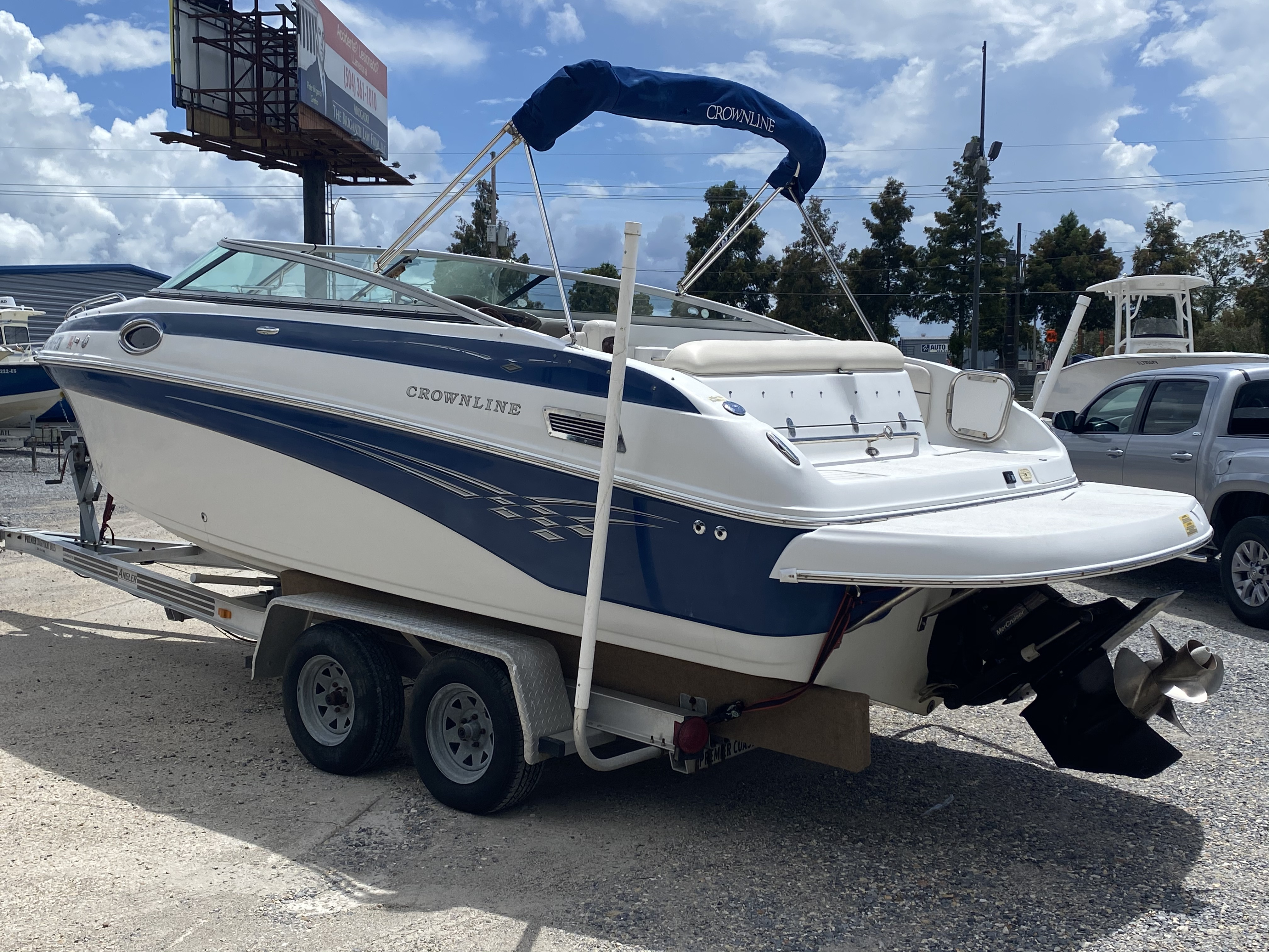 2005 Crownline boat for sale, model of the boat is 236 & Image # 11 of 17