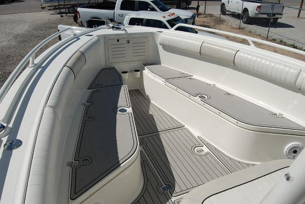 2016 Mako boat for sale, model of the boat is 284 CC & Image # 8 of 19
