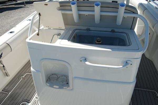 2016 Mako boat for sale, model of the boat is 284 CC & Image # 11 of 19