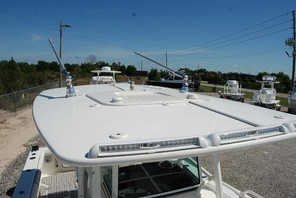 2016 Mako boat for sale, model of the boat is 284 CC & Image # 13 of 19