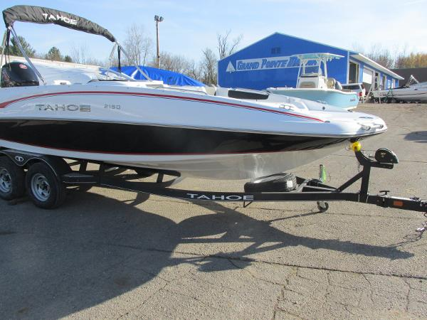 2021 Tahoe boat for sale, model of the boat is 2150 & Image # 7 of 44