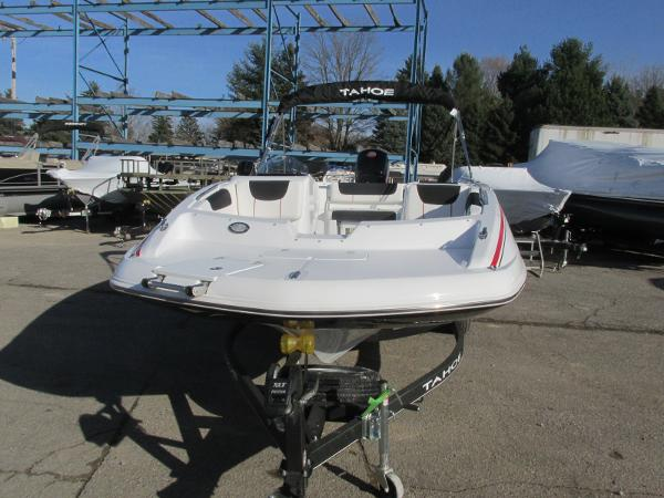 2021 Tahoe boat for sale, model of the boat is 2150 & Image # 8 of 44