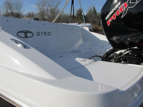 2021 Tahoe boat for sale, model of the boat is 2150 & Image # 10 of 44