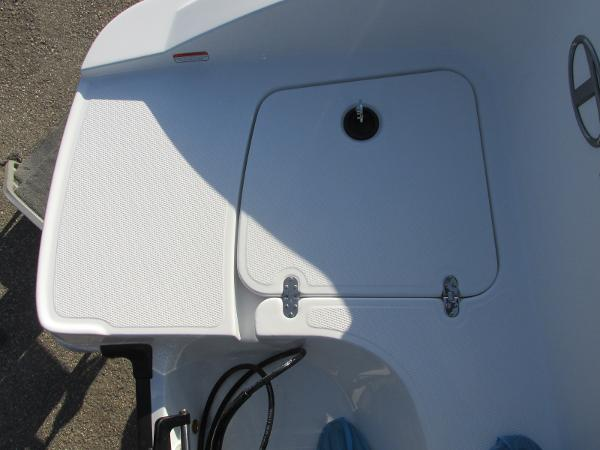 2021 Tahoe boat for sale, model of the boat is 2150 & Image # 11 of 44