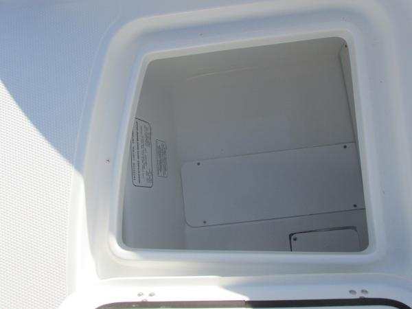 2021 Tahoe boat for sale, model of the boat is 2150 & Image # 12 of 44
