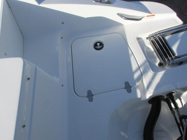 2021 Tahoe boat for sale, model of the boat is 2150 & Image # 13 of 44