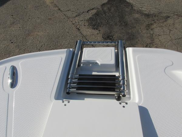 2021 Tahoe boat for sale, model of the boat is 2150 & Image # 17 of 44
