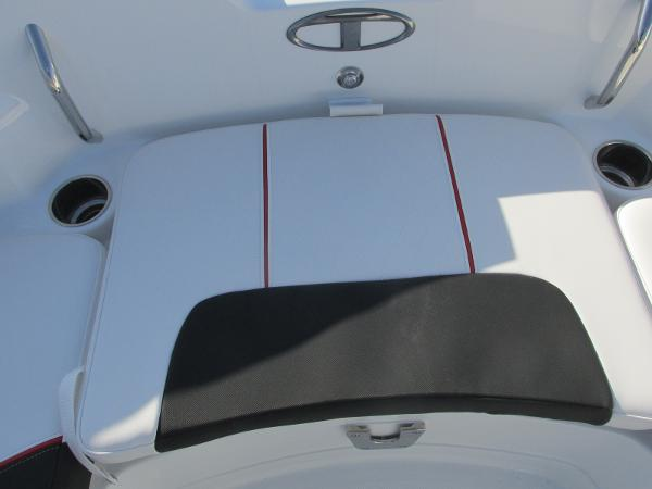 2021 Tahoe boat for sale, model of the boat is 2150 & Image # 23 of 44