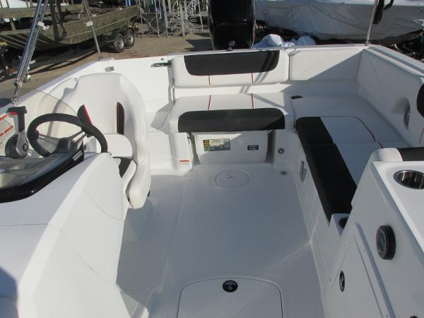 2021 Tahoe boat for sale, model of the boat is 2150 & Image # 25 of 44