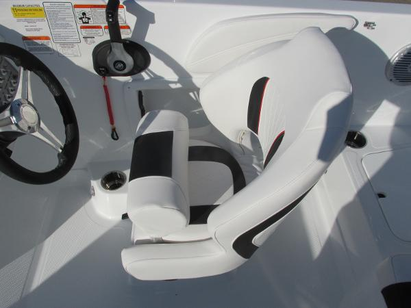 2021 Tahoe boat for sale, model of the boat is 2150 & Image # 27 of 44