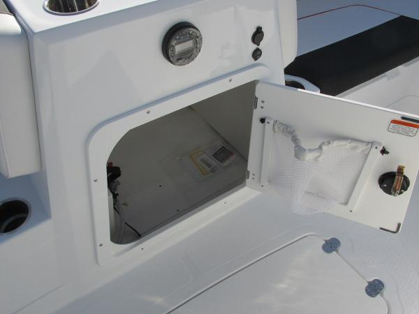 2021 Tahoe boat for sale, model of the boat is 2150 & Image # 32 of 44