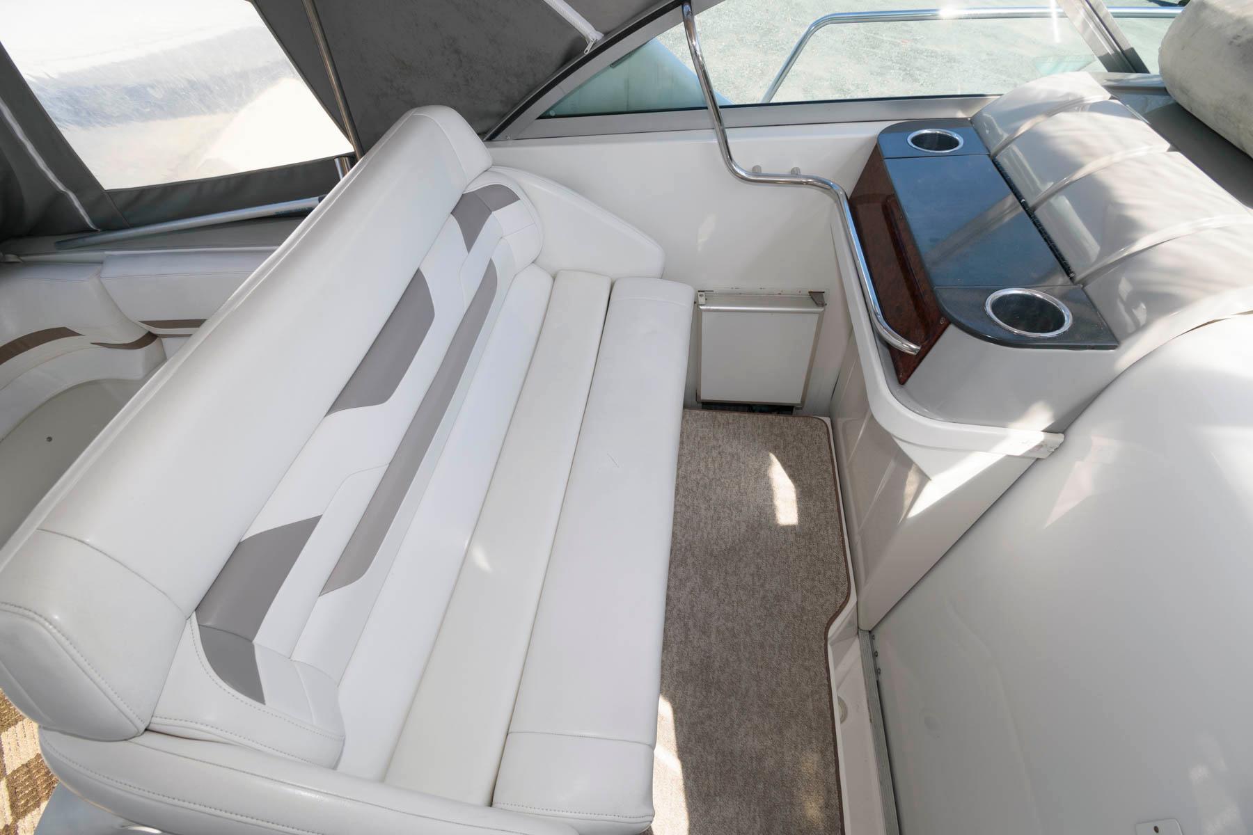 M 6035 JP Knot 10 Yacht Sales