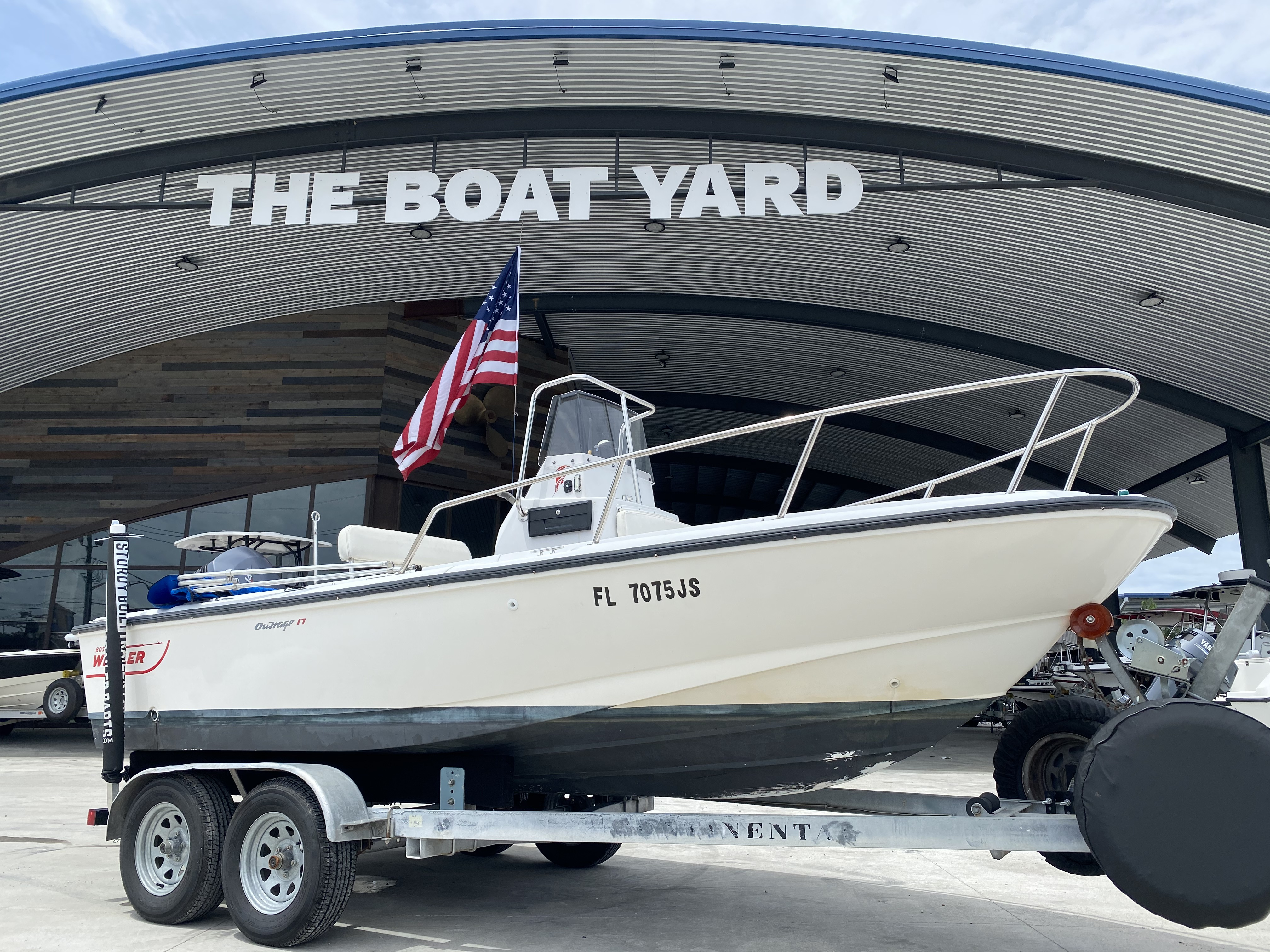 1995 BOSTON WHALER OUTRAGE 17 II for sale
