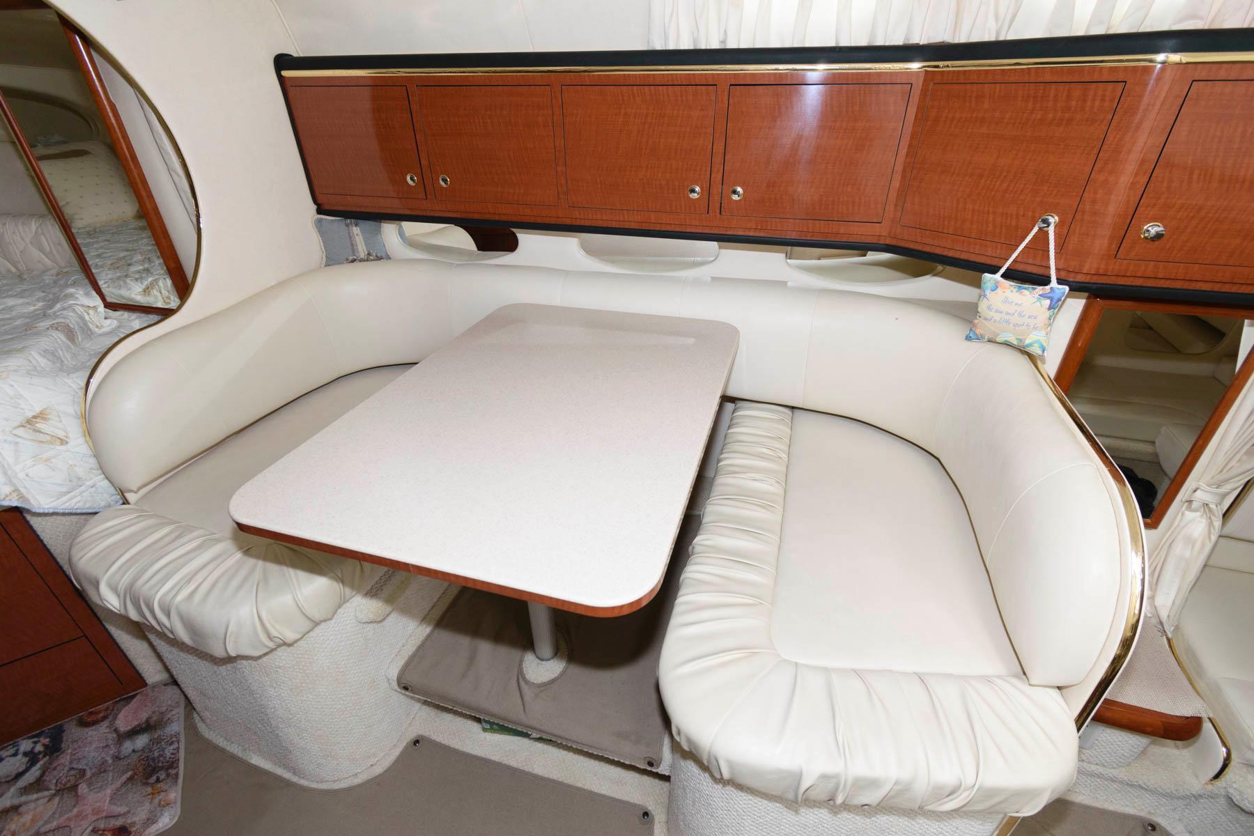 M 6343 WT Knot 10 Yacht Sales