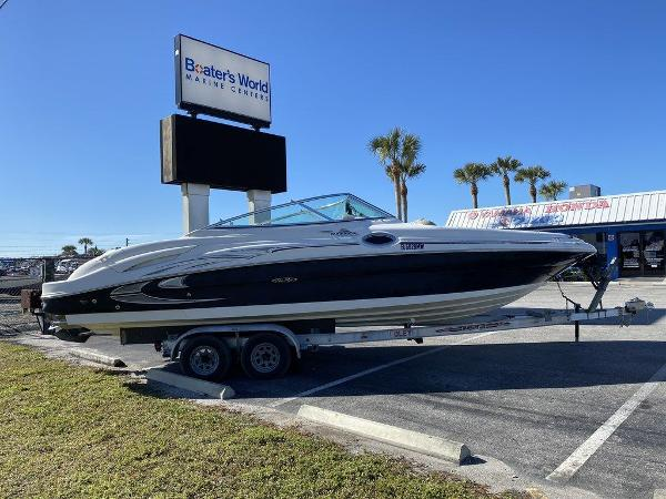 2005 Sea Ray boat for sale, model of the boat is 270 Sundeck & Image # 3 of 9