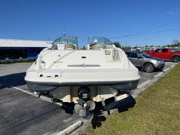 2005 Sea Ray boat for sale, model of the boat is 270 Sundeck & Image # 5 of 9