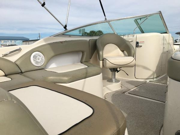 2005 Sea Ray boat for sale, model of the boat is 270 Sundeck & Image # 8 of 9