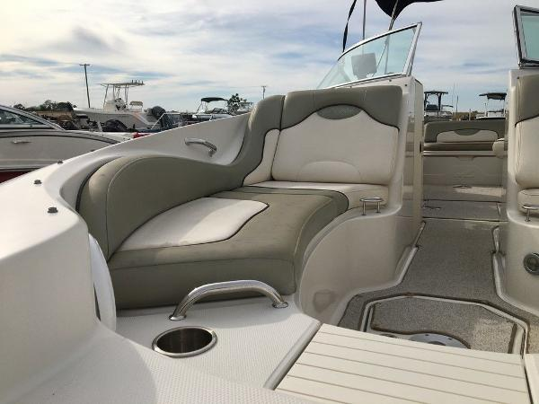 2005 Sea Ray boat for sale, model of the boat is 270 Sundeck & Image # 9 of 9