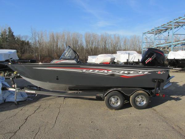 2020 Tracker Boats boat for sale, model of the boat is Targa V-19 WT & Image # 1 of 25