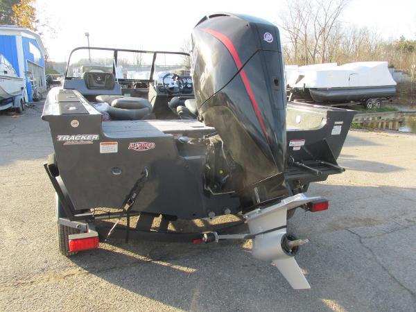 2020 Tracker Boats boat for sale, model of the boat is Targa V-19 WT & Image # 8 of 25