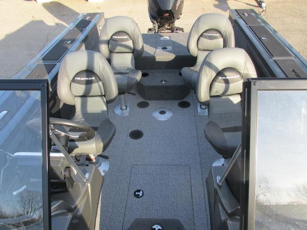 2020 Tracker Boats boat for sale, model of the boat is Targa V-19 WT & Image # 14 of 25