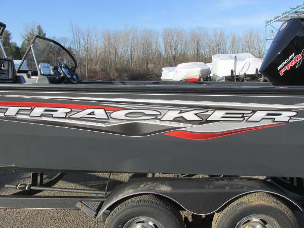 2020 Tracker Boats boat for sale, model of the boat is Targa V-19 WT & Image # 23 of 25