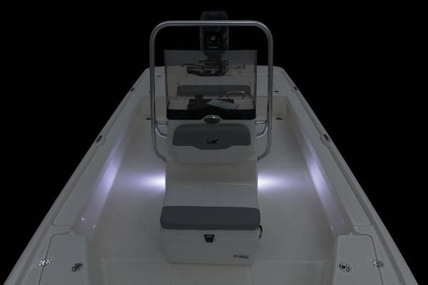 2019 Mako boat for sale, model of the boat is 21 LTS & Image # 32 of 38