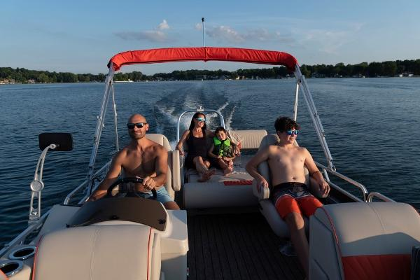 2021 Qwest boat for sale, model of the boat is LS 824 Splash Pad RW & Image # 9 of 11