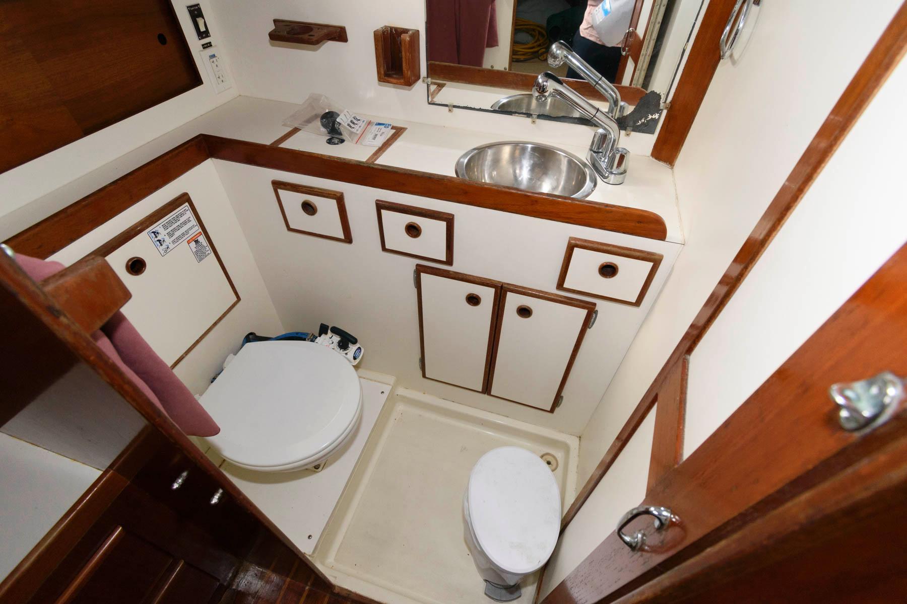 M 6198 JP Knot 10 Yacht Sales