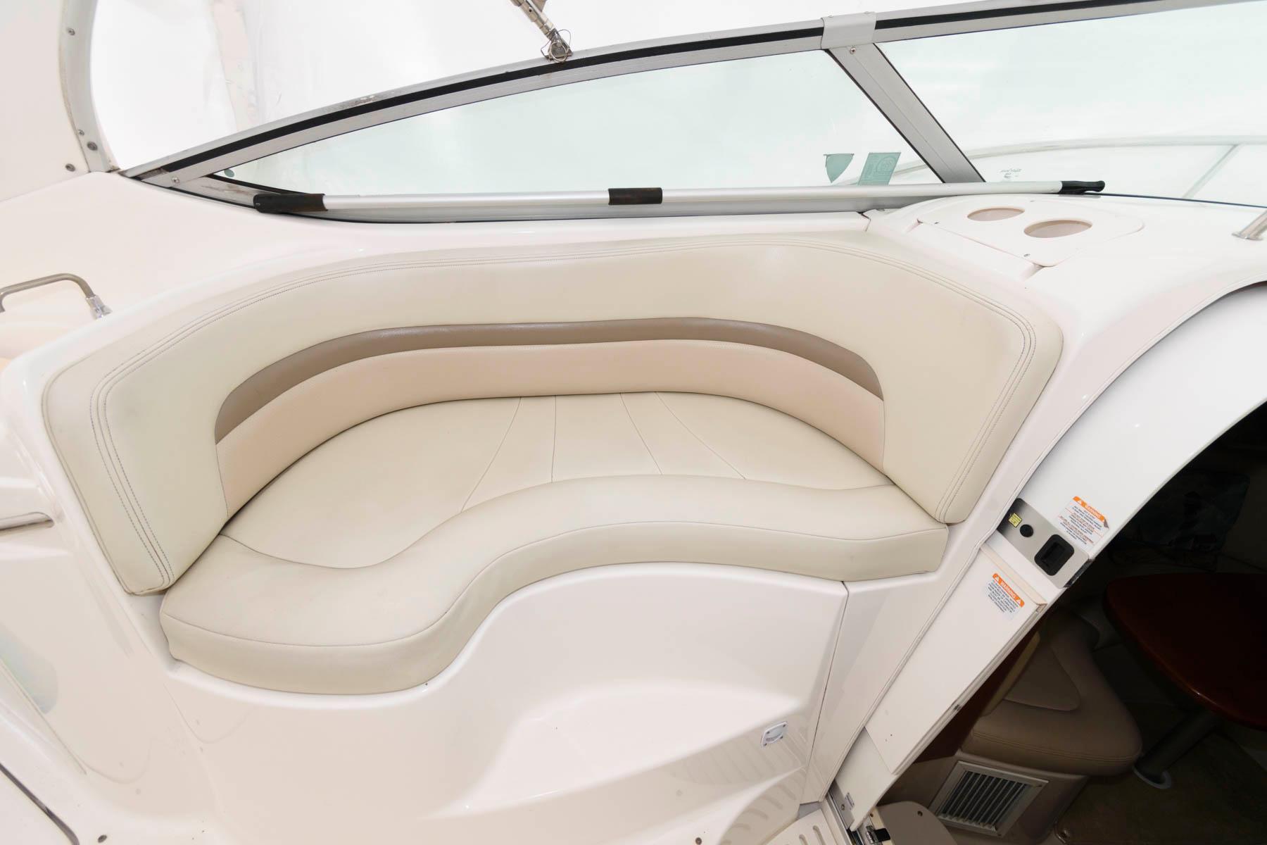 NJ 5796 KG Knot 10 Yacht Sales