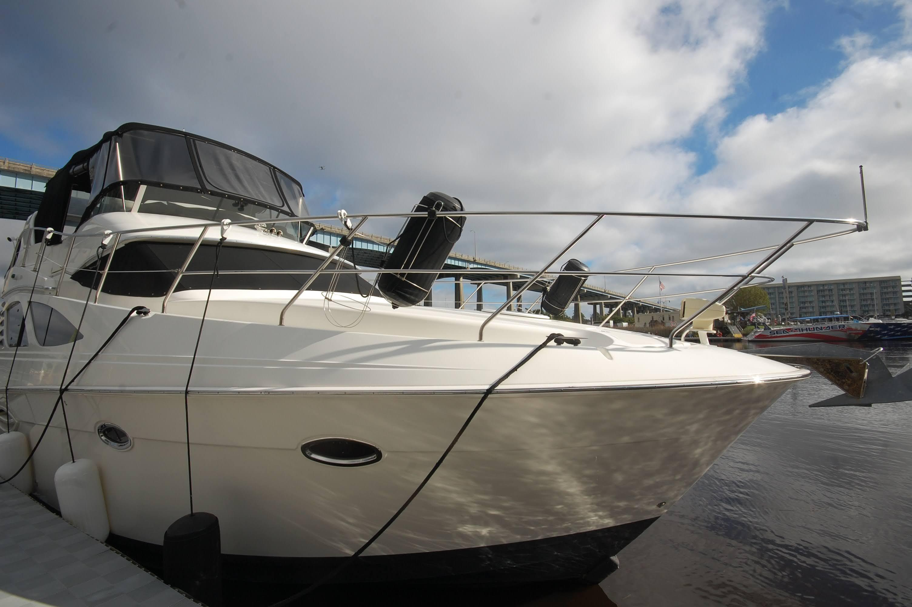 NC 5797 EE Knot 10 Yacht Sales