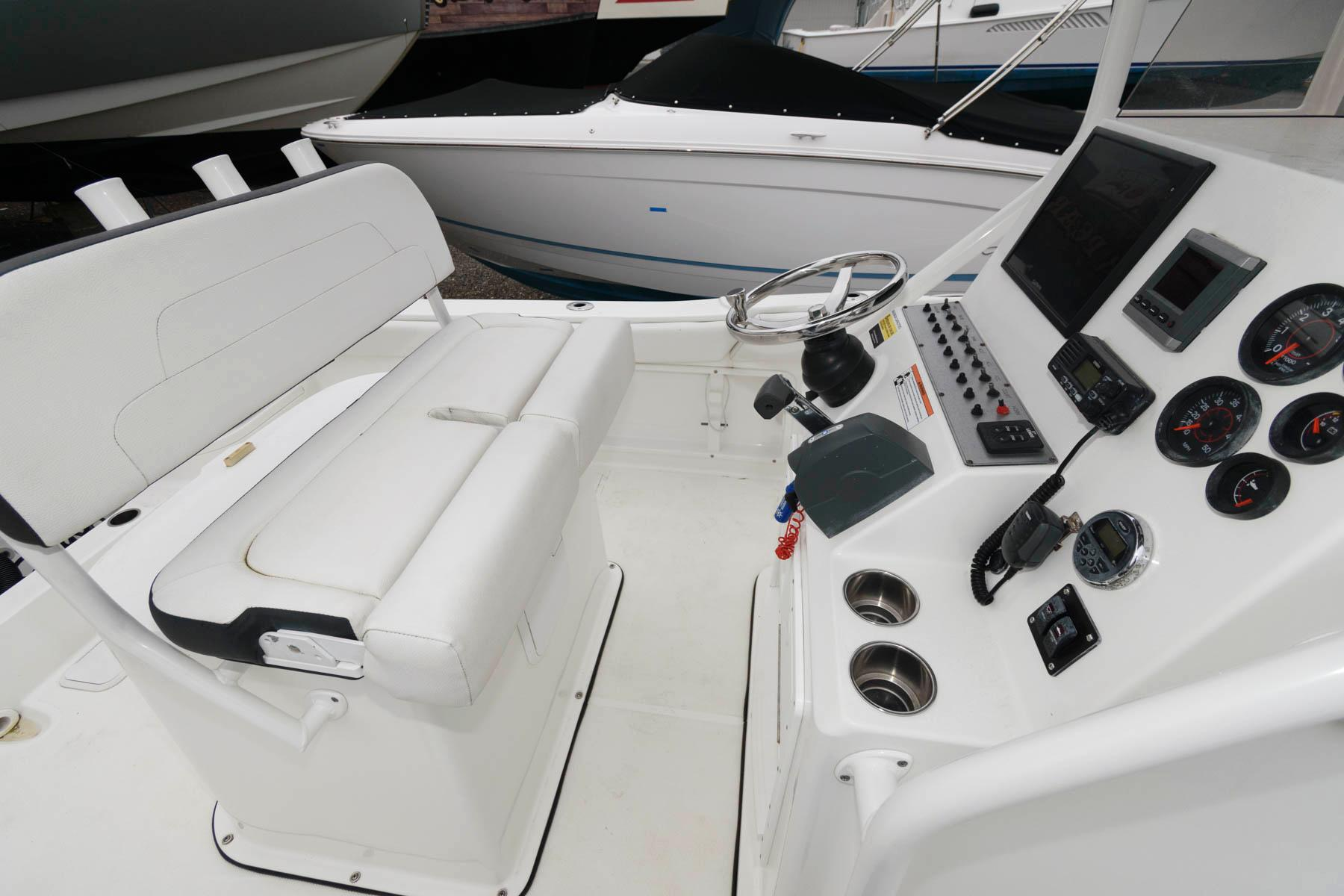NJ 5799 KG Knot 10 Yacht Sales