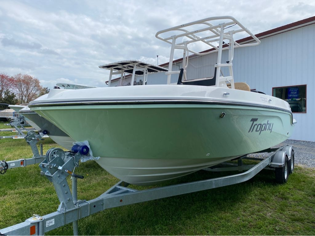 2021 Bayliner boat for sale, model of the boat is T22CC & Image # 1 of 12
