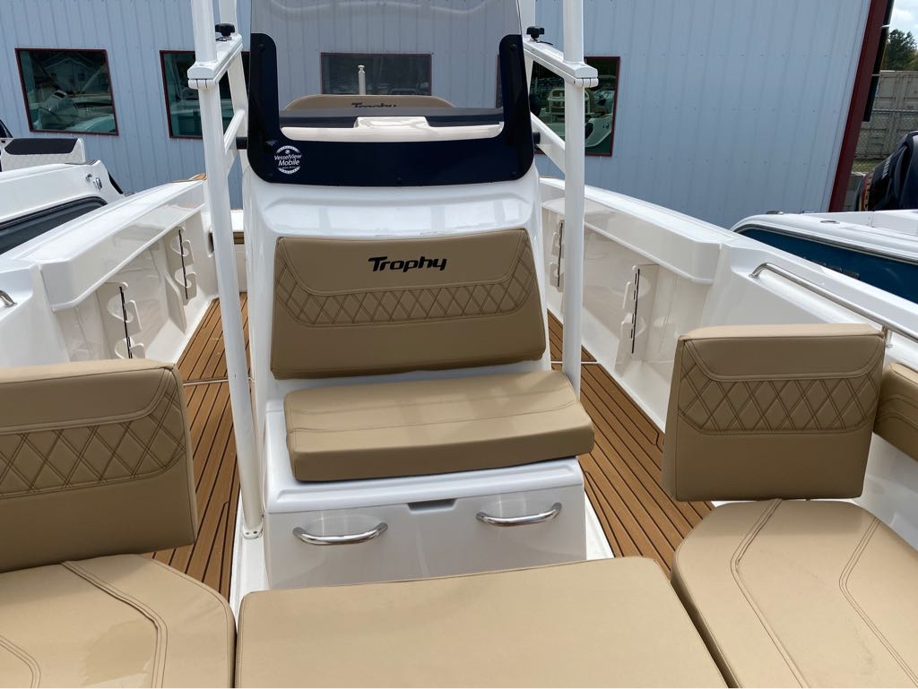 2021 Bayliner boat for sale, model of the boat is T22CC & Image # 3 of 12