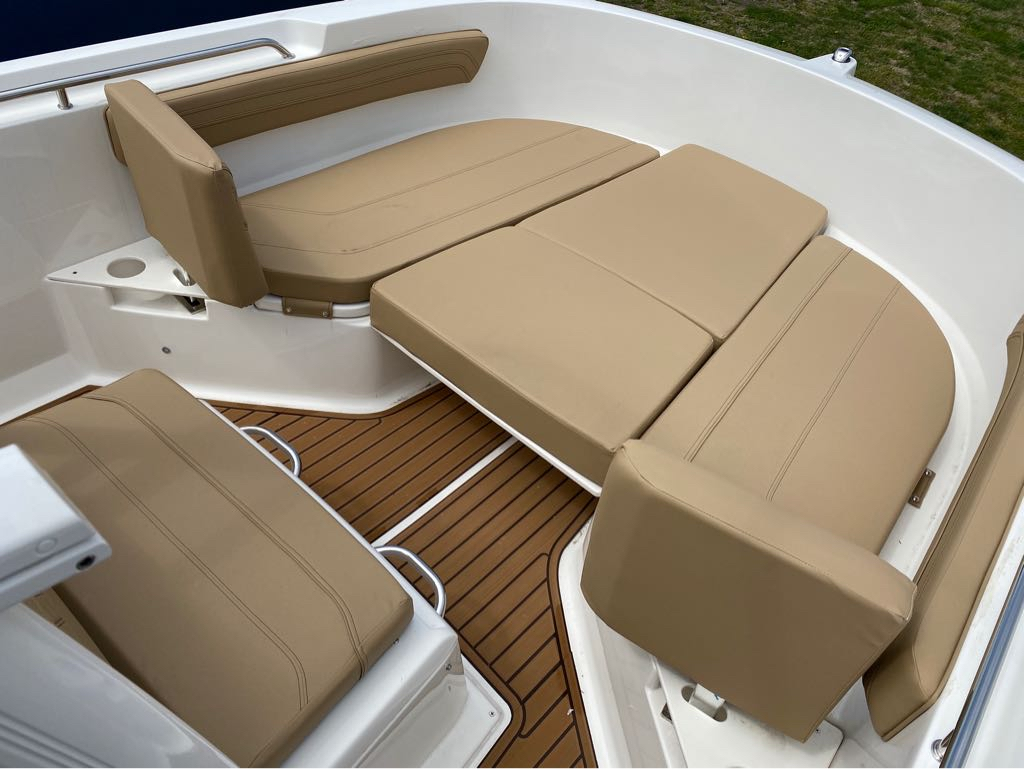 2021 Bayliner boat for sale, model of the boat is T22CC & Image # 7 of 12