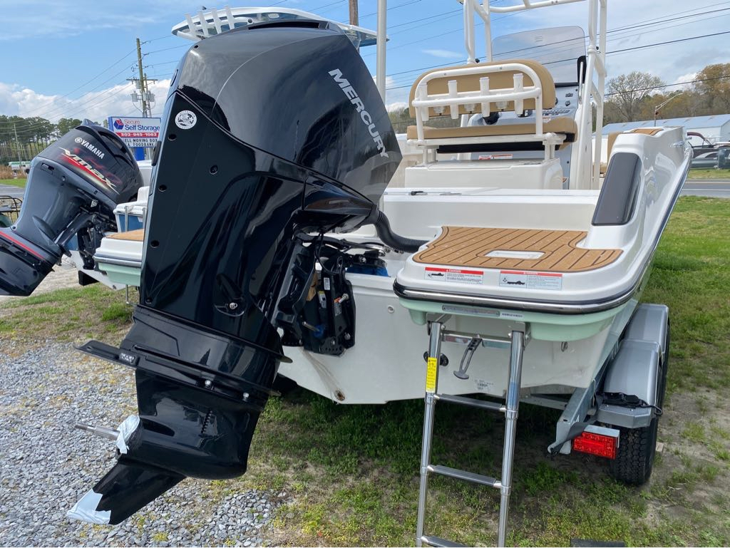 2021 Bayliner boat for sale, model of the boat is T22CC & Image # 8 of 12