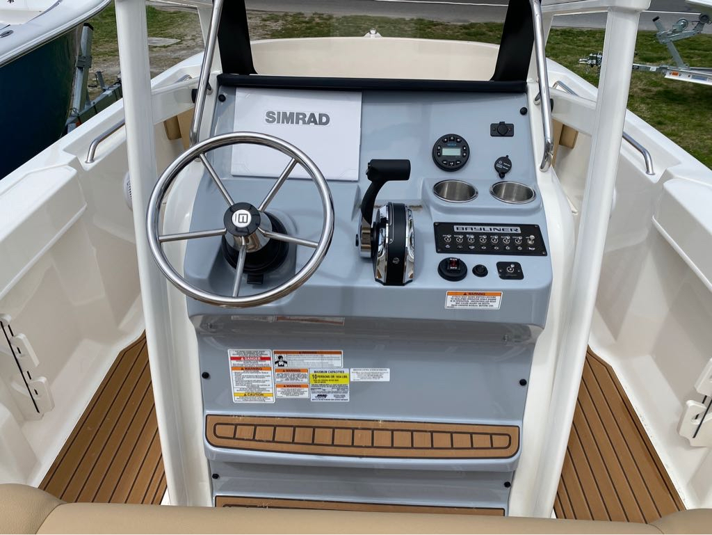 2021 Bayliner boat for sale, model of the boat is T22CC & Image # 10 of 12