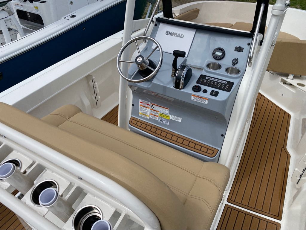 2021 Bayliner boat for sale, model of the boat is T22CC & Image # 11 of 12