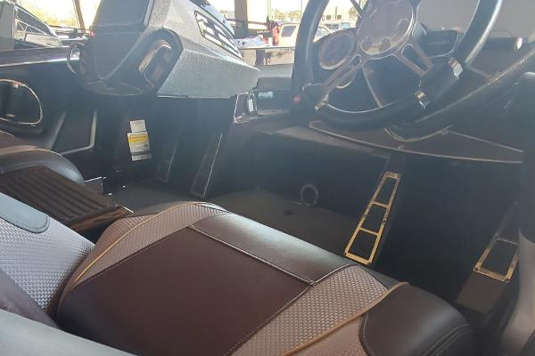 2020 Ranger Boats boat for sale, model of the boat is Z520C Ranger Cup Equipped & Image # 4 of 32