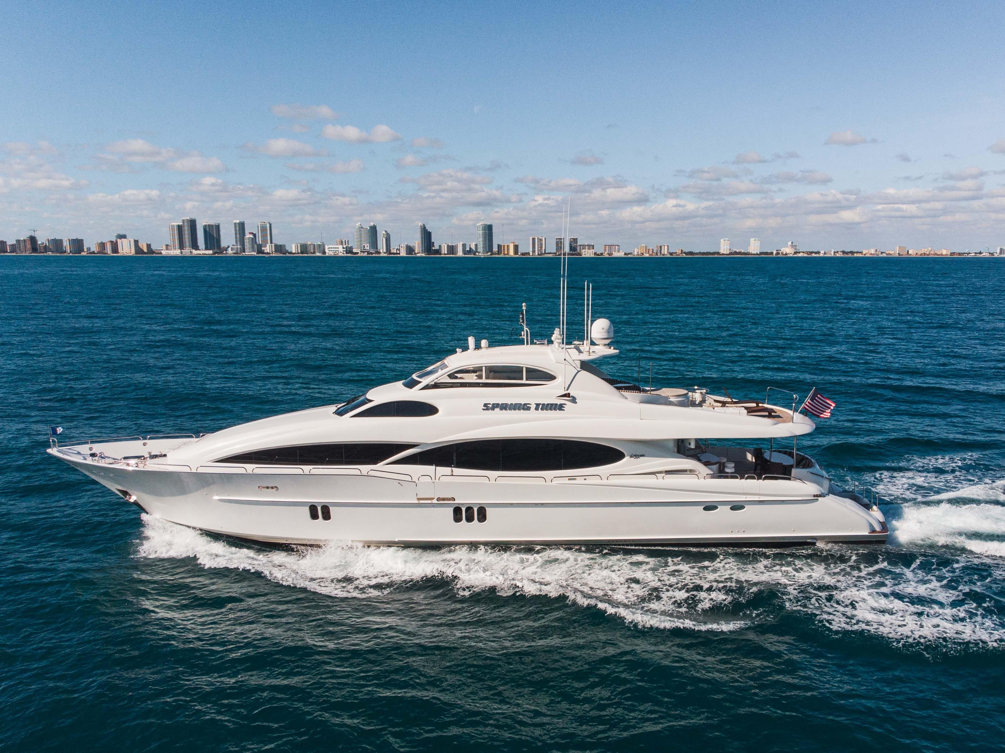 110' Lazzara Yachts 2007