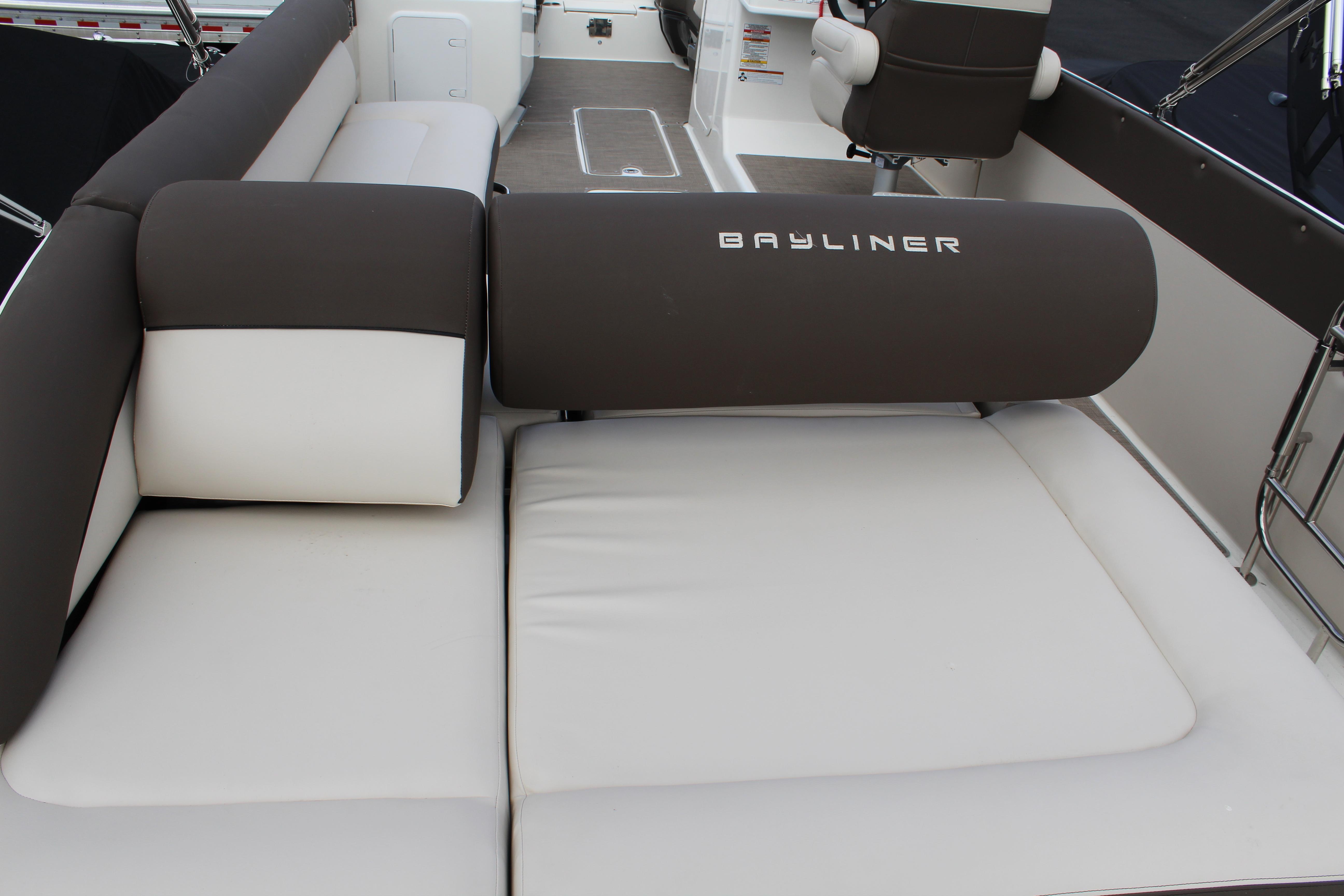 2021 Bayliner Element XR7