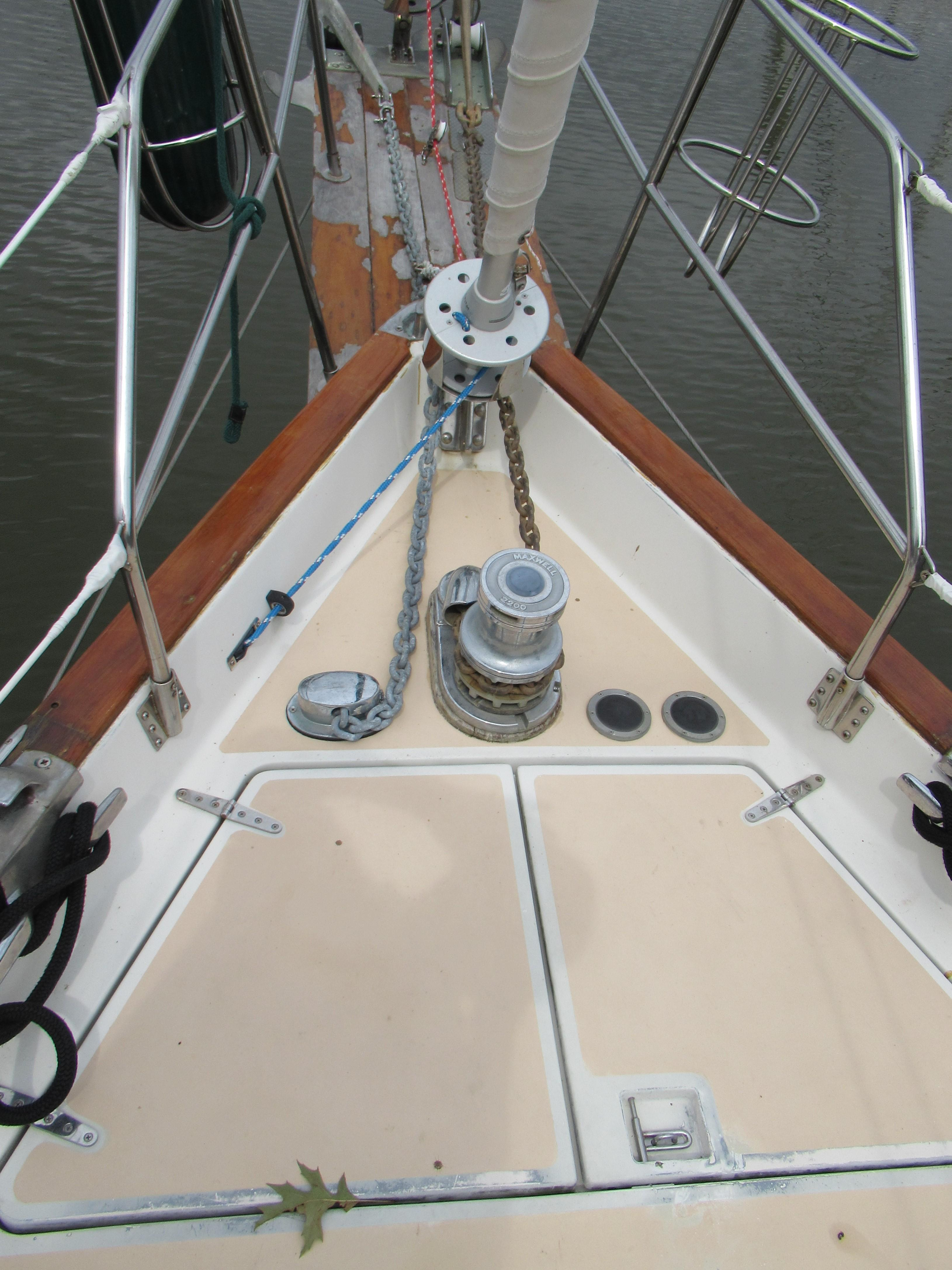 Bow Detail & Sprit