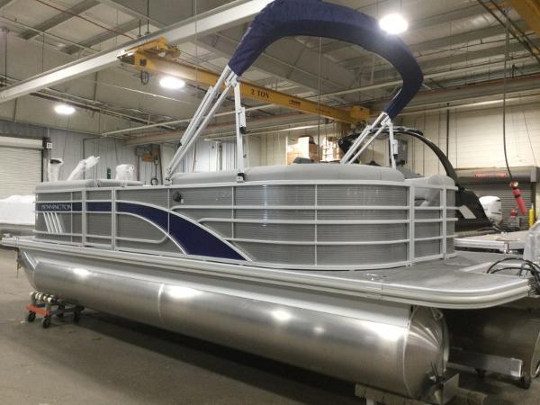 2021 Bennington boat for sale, model of the boat is 22LSR & Image # 2 of 13