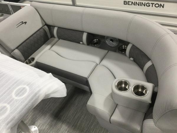 2021 Bennington boat for sale, model of the boat is 22LSR & Image # 9 of 13