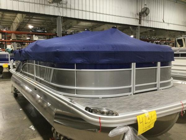 2021 Bennington boat for sale, model of the boat is 22LSR & Image # 13 of 13
