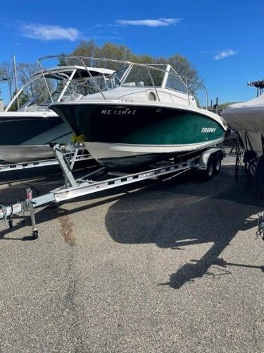 2005 Trophy boat for sale, model of the boat is 1952 WA & Image # 1 of 15