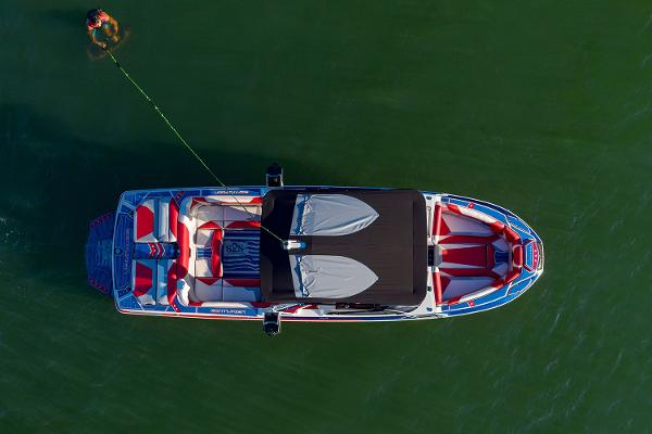 2021 Centurion boat for sale, model of the boat is Ri265 & Image # 8 of 16