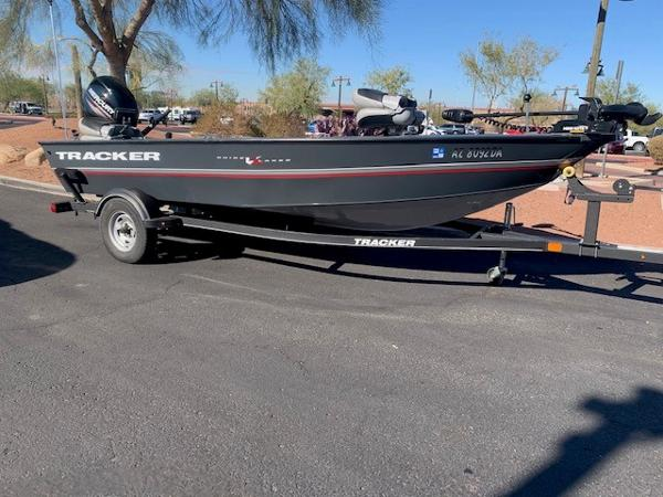 2019 Tracker Boats boat for sale, model of the boat is GV16 LAKER DLX & Image # 1 of 3