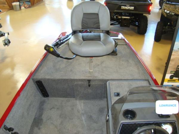 2021 Tracker Boats boat for sale, model of the boat is BASS TRACKER® Classic XL & Image # 6 of 13