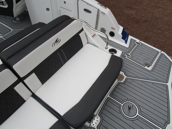 2021 Monterey boat for sale, model of the boat is M4 & Image # 10 of 40